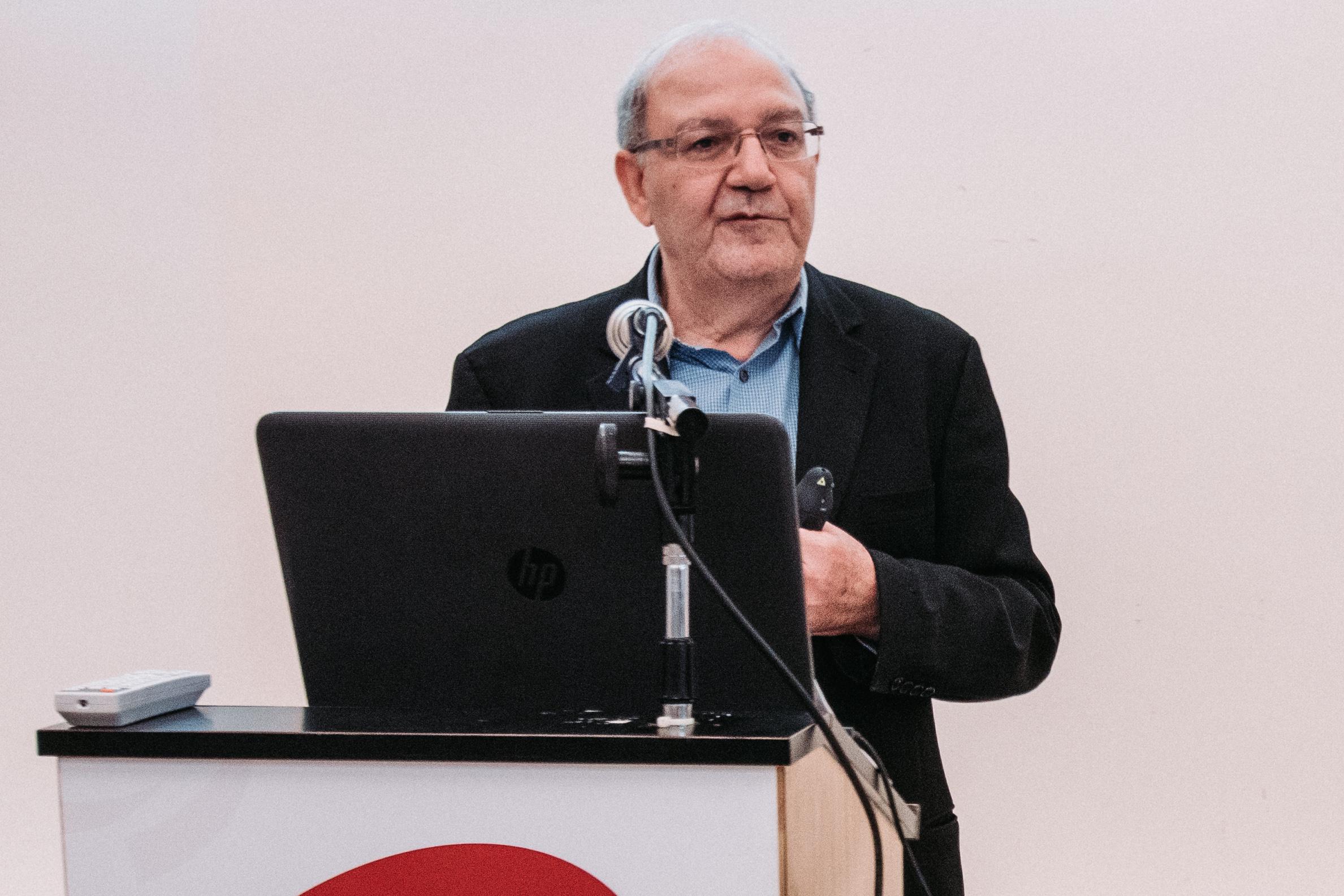 פרופ' אהרן ממן