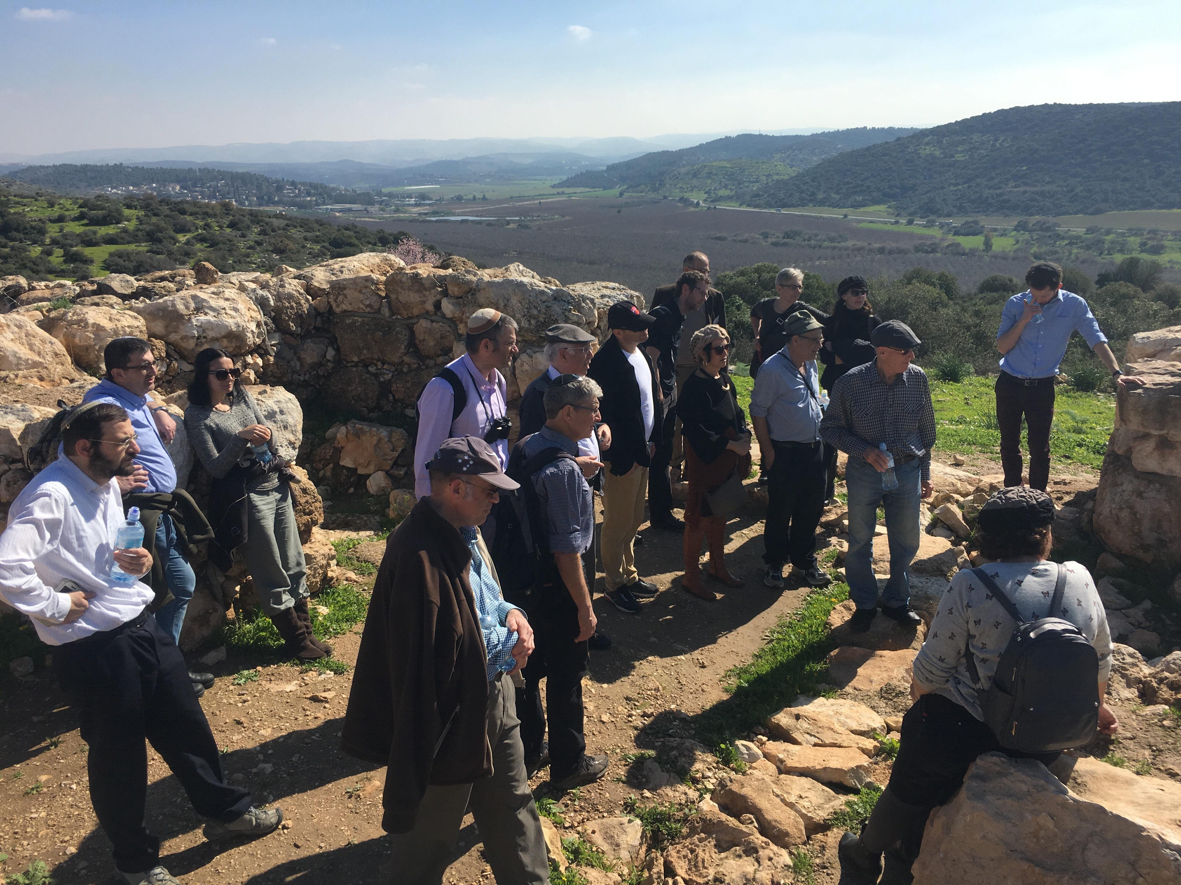 סיור בח'רבת קיאפה בהדרכת יוסף גרפינקל