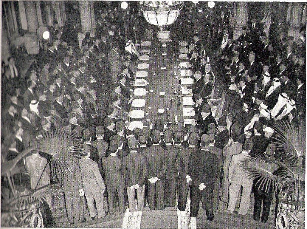 בתמונה: כינוס הייסוד של החבר הערבי,  22 במארס 1945.