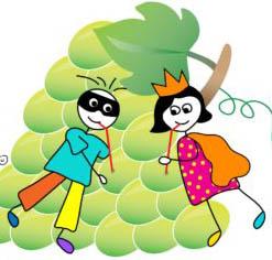 שני ילדים עם קשיות מעל אשכול ענבים